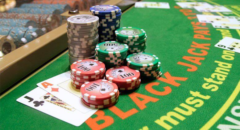 blackjack hay còn gọi xì dách