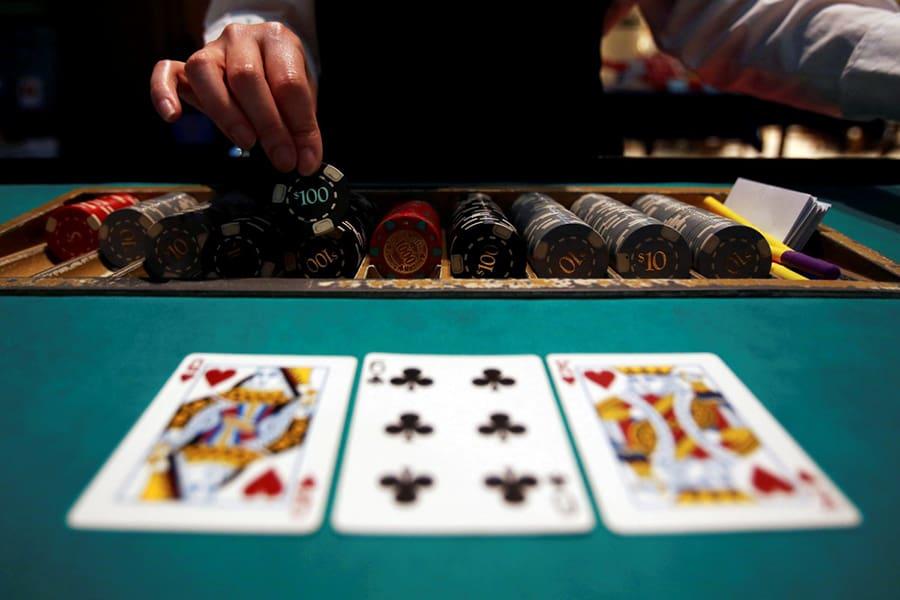 Làm thế nào để kiếm tiền từ poker trực tuyến? -Hình 2