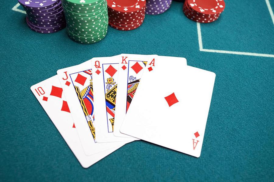 Nhân vật tham lam khi chơi blackjack-picture 2