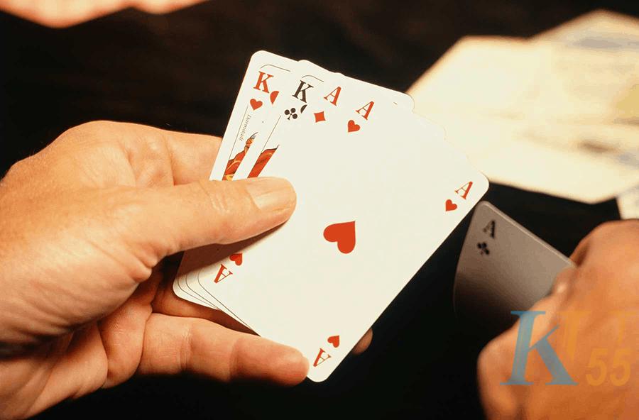 Trò chơi blackjack trực tuyến từ trải nghiệm của Casino Bumblebee-Picture 1