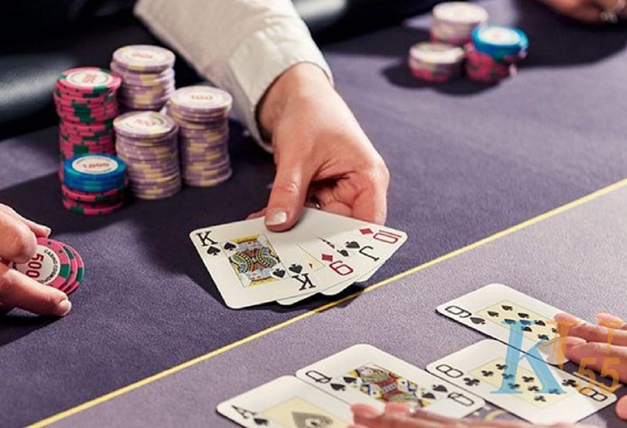 kiếm tiền từ Poker online