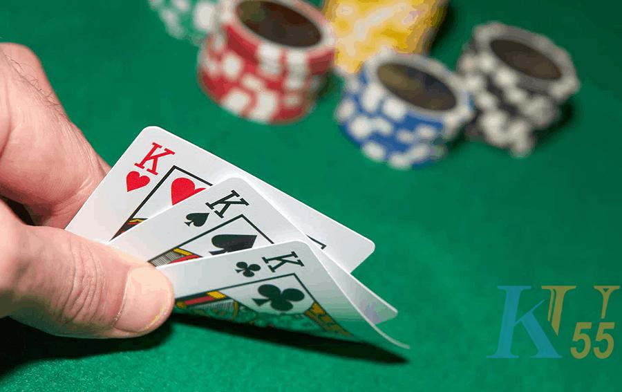 Nhưng hai bình poker thường gặp những người mới chơi