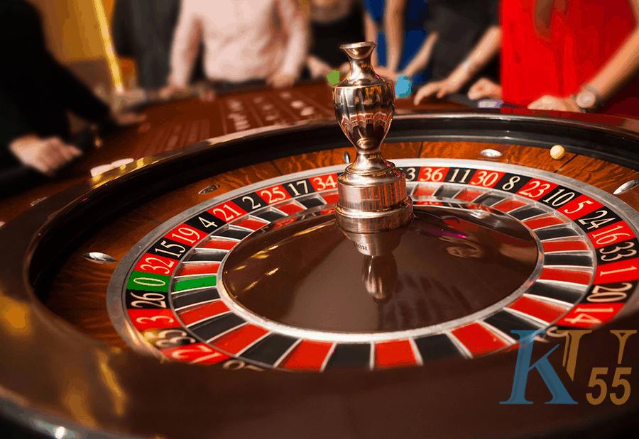 Tình yêu xác định quyết định của bậc thang roulette