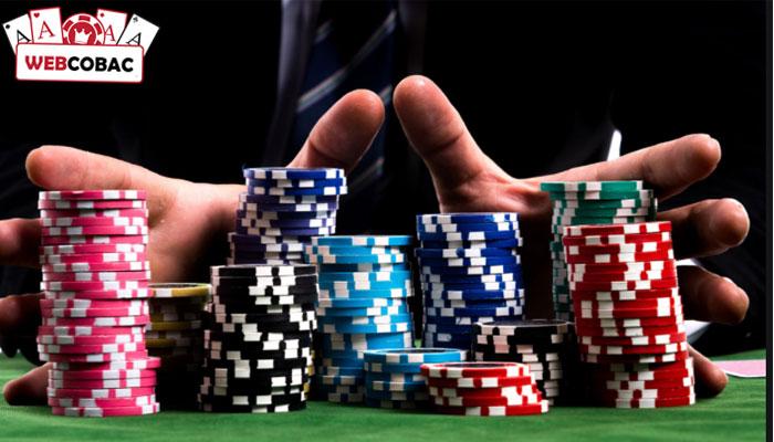 Số lượng người chơi trong mỗi trò chơi dao động từ 2 đến 6 người.