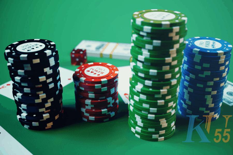 Kinh nghiệm giúp bạn chơi poker thang