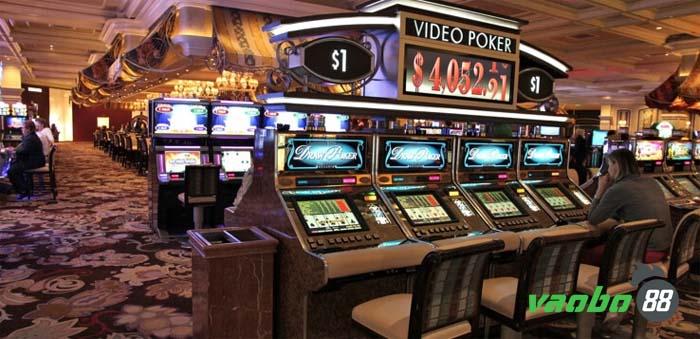trải nghiệm poker video